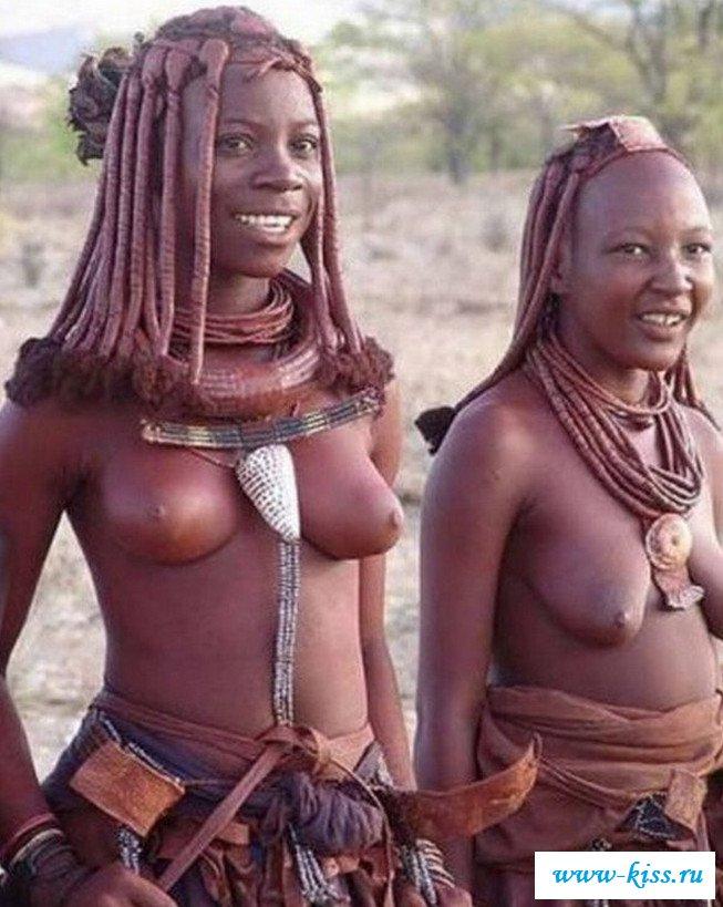 Раздетые девки с висячими сиськами