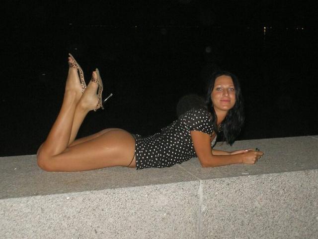 Красивые подруги из Новоазовска позируют в голом виде