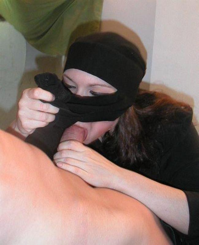 Арабские шлюшки позируют в обнаженном виде