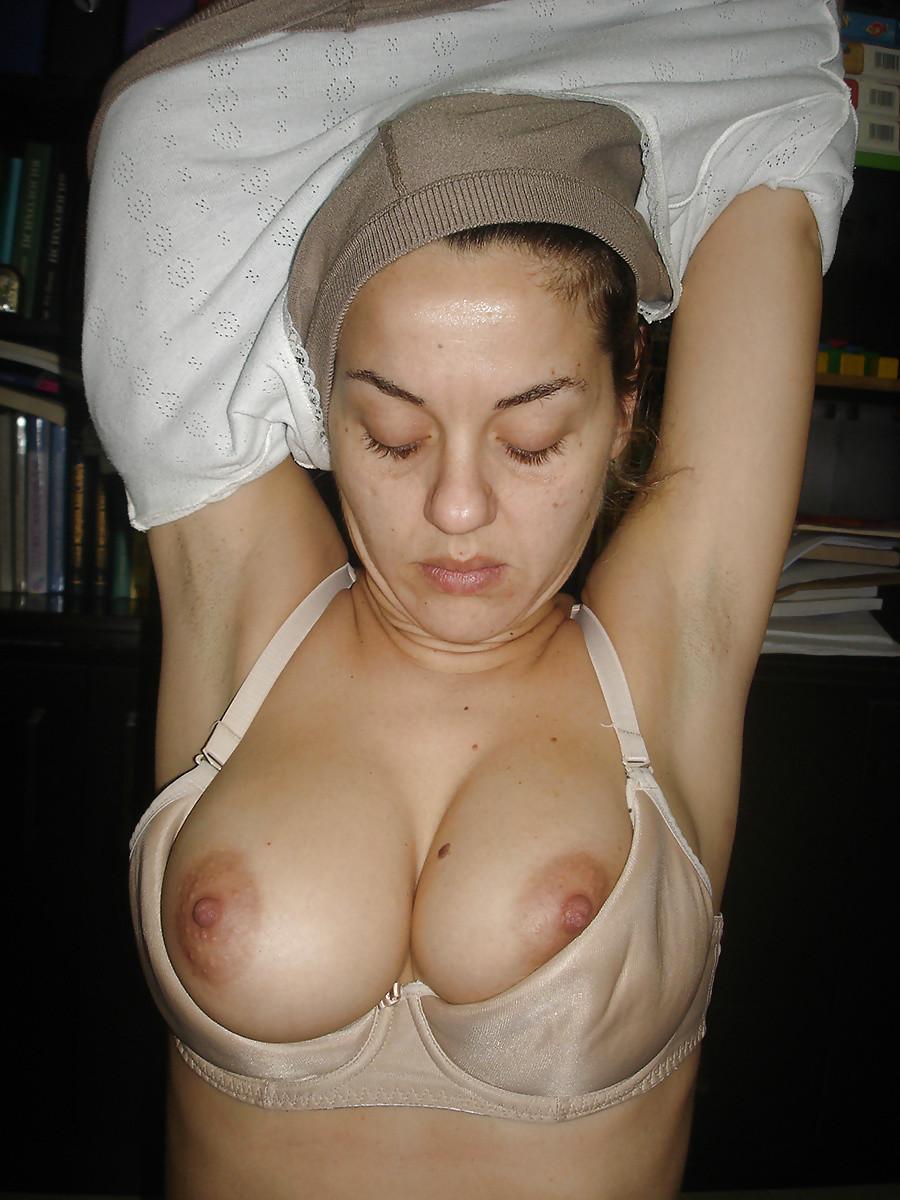 Молодая женщина с шикарными сиськами