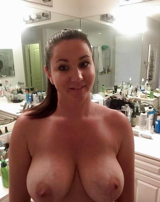 Секси милфа с большой жопой из Флориды
