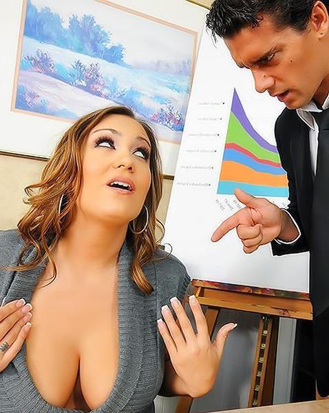 Стильный менеджер выебал новую сотрудницу